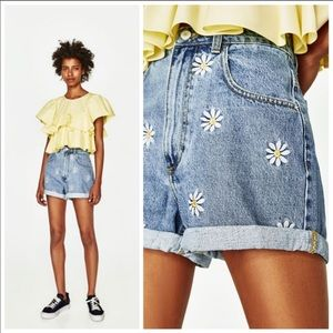 ZARA daisy denim shorts
